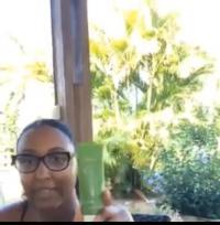 Témoignage video : Peaux éclatantes avec la gamme de soins Peaux Mixtes